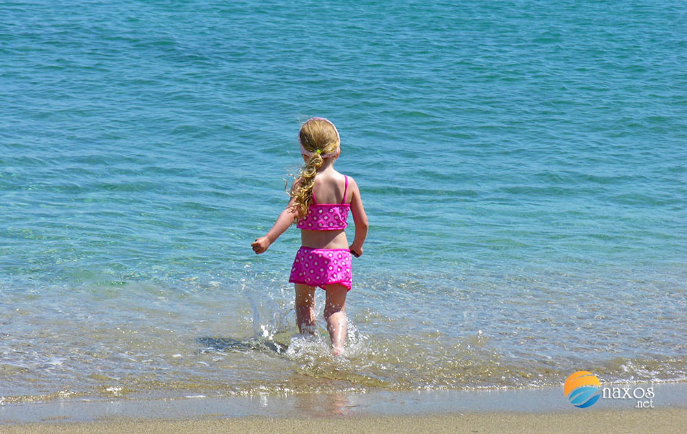 Many Naxos beaches are suitable for small children