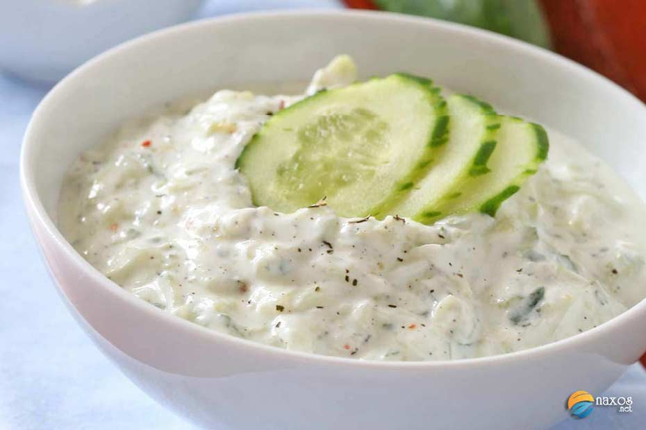 The traditional recipe for Tzatziki