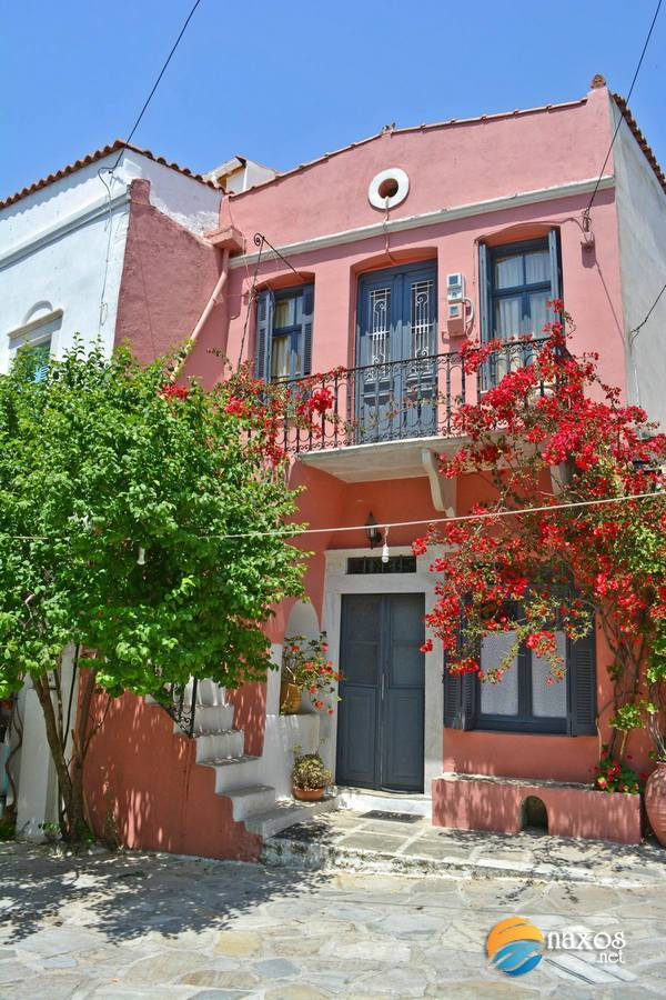 Halki village in tones of red